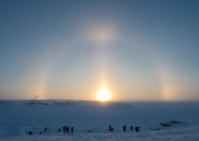 CX02-2016-0042-078 15 February, 2016 Crystal City (Resolute Bay), Nunavut. Students of Canadian Forces School of Search and Rescue Course 49, building igloos under the sun phenomena known as sundogs during the Arctic Survival Phase in Crystal City, Nunavut, on 15 February, 2016. Image by Corporal Létourneau PJJ 19 Wing Imaging © 2016, DND-MDN Canada